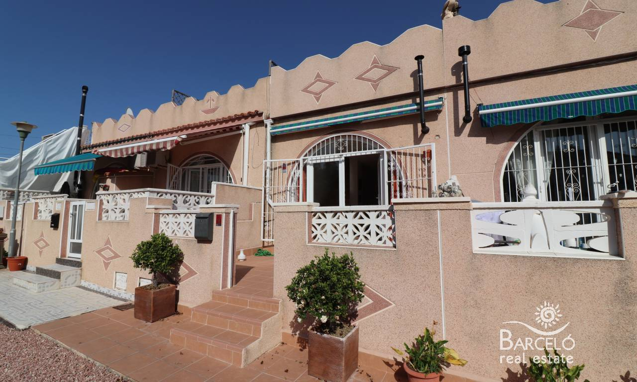 Attached - Resale - Torrevieja - San Luis