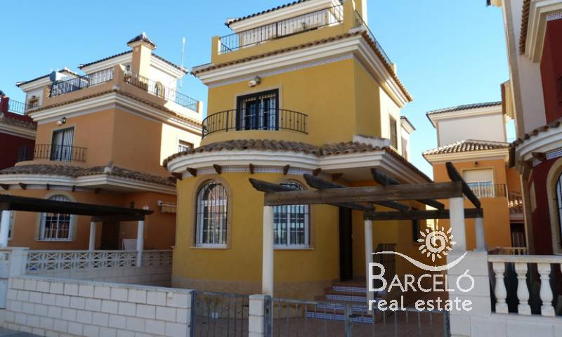 Villa - Resale - Los Montesinos - La Herrada