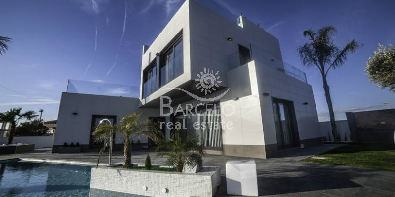 The properties for sale in Campoamor - Costa Blanca are the most desired for summer