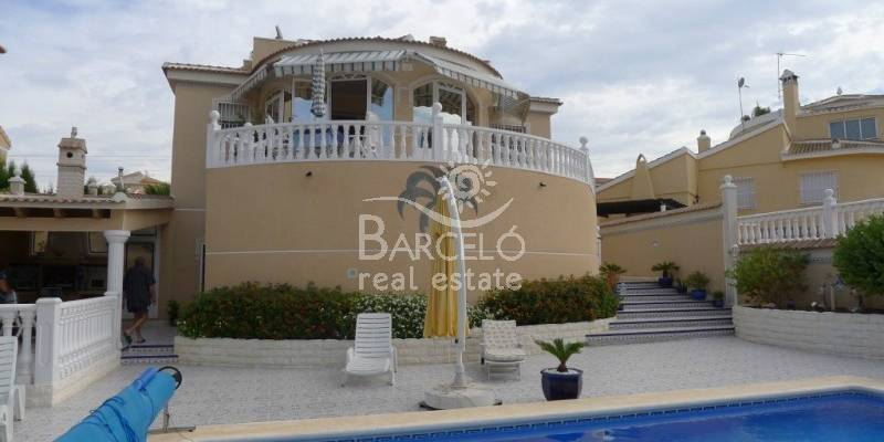 Owned Stadthaus in Torrevieja Costa Blanca. Die bessere Chancen für Rent a Luxury Villa