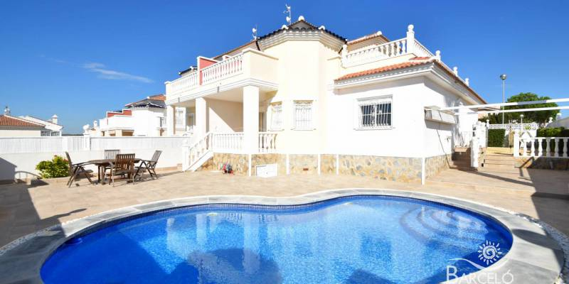This winter enjoy sun, sea and golf in our  Attached Properties for sale in Benijofar