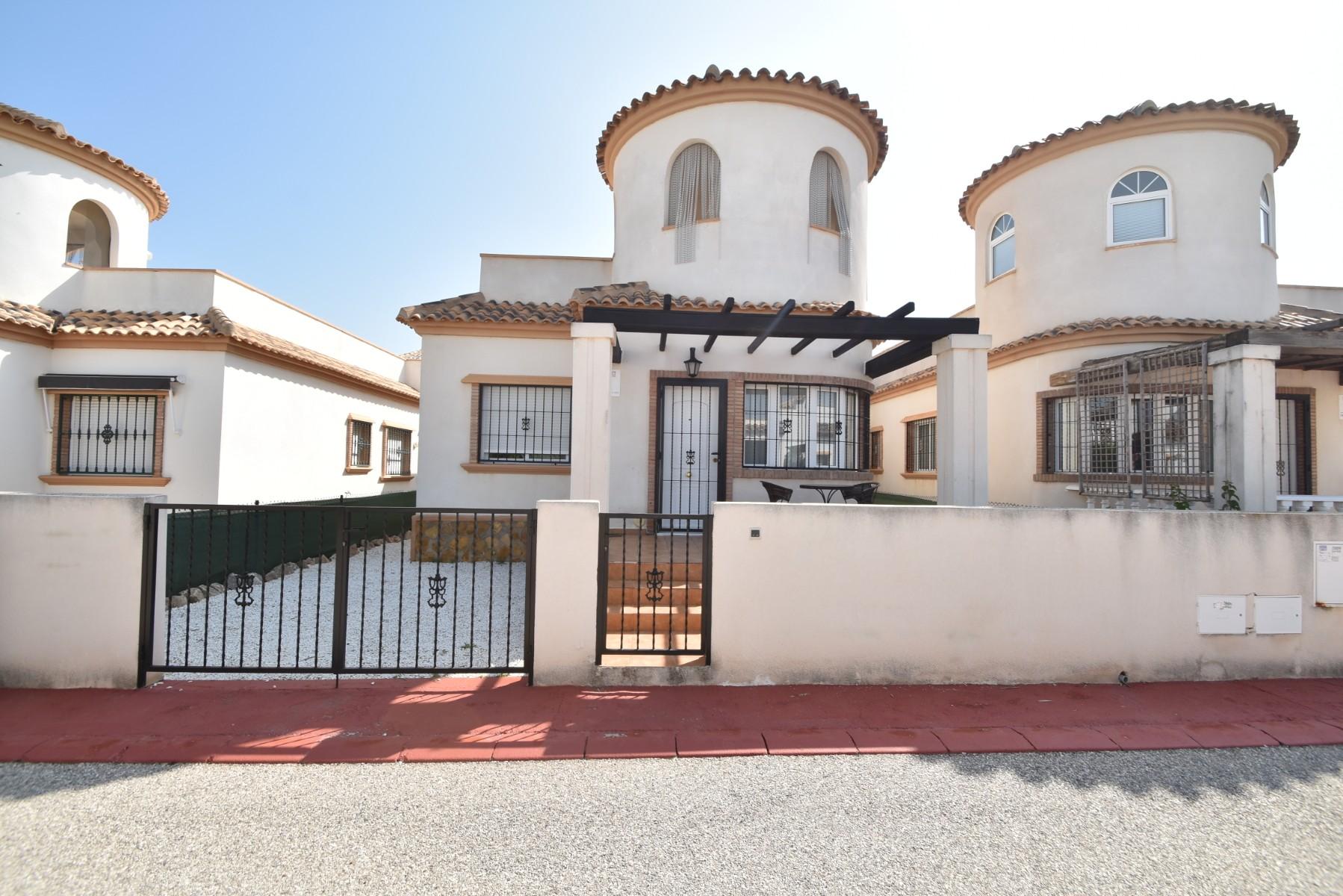 Detached Villa in Guardamar del Segura - Resales