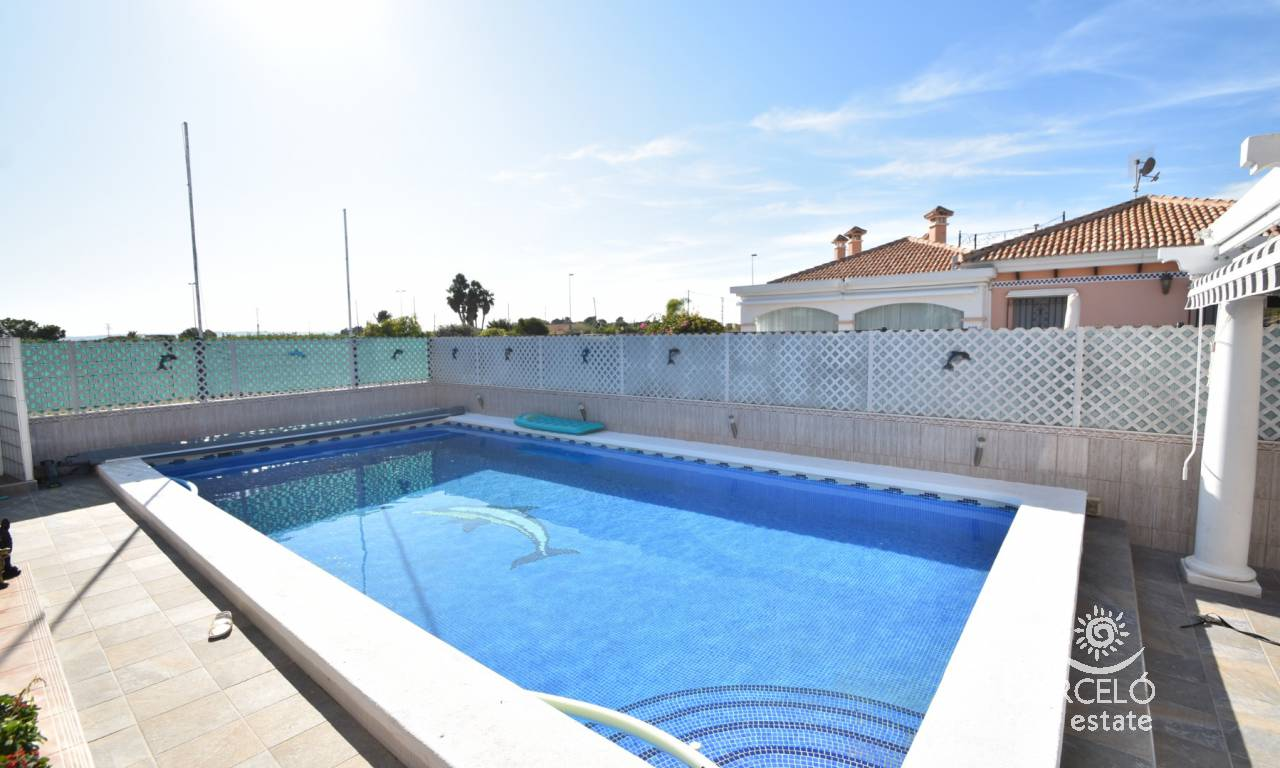 Resale - Villa - Los Montesinos - La Herrada