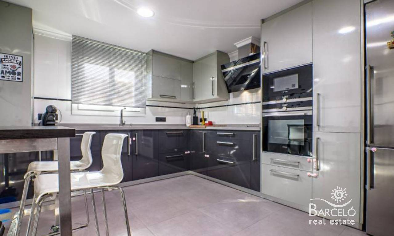 Resale - Apartment - Alicante - Teulada