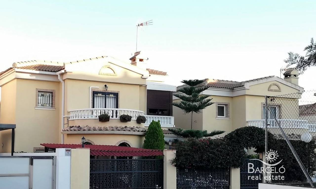 Resale - Attached - Orihuela Costa - La Zenia